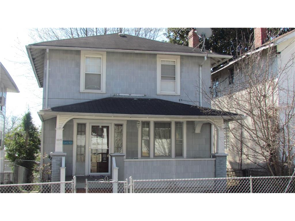 1015 Red Oak Street, Charleston, WV 25302