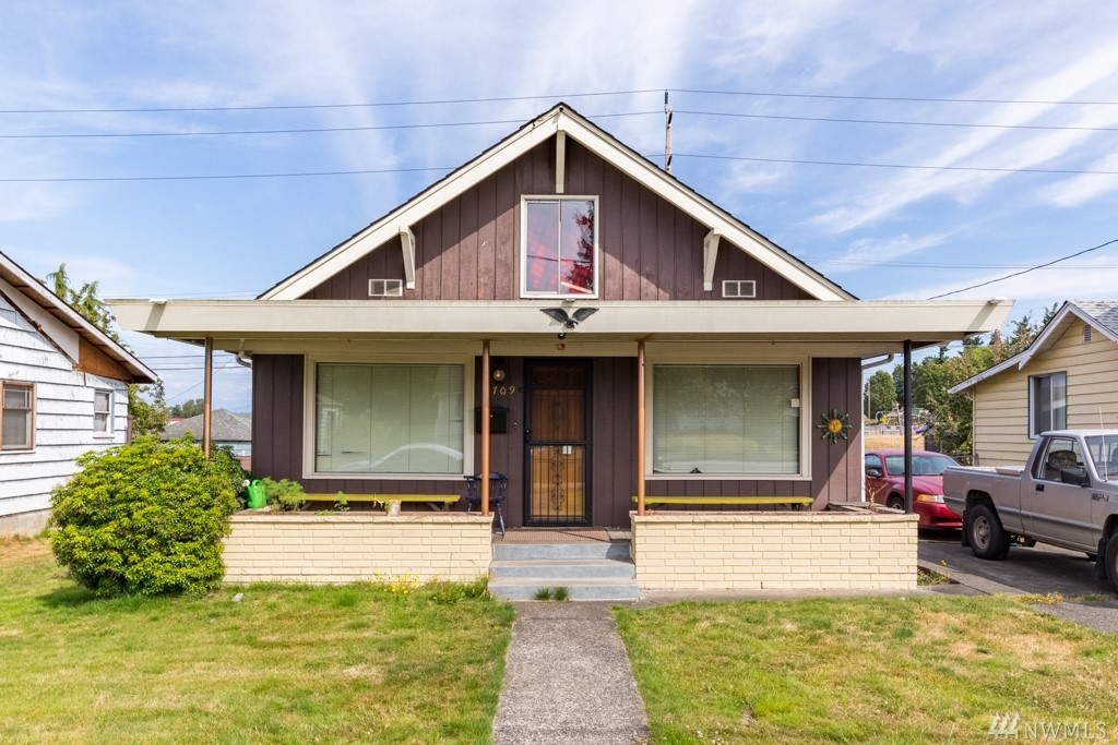 1709 Walnut St, Everett, WA 98201