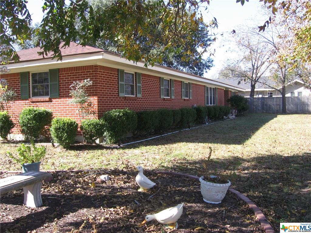 302 Ellis Ave, Troy, TX 76579