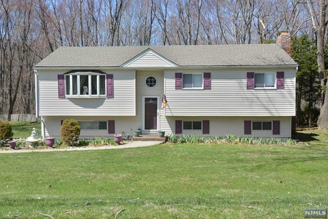 766 Old Mill Road, Franklin Lakes, NJ 07417