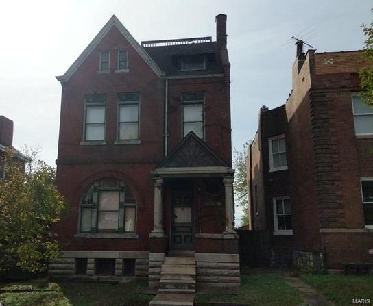 2752 Armand Place, St Louis, MO 63104
