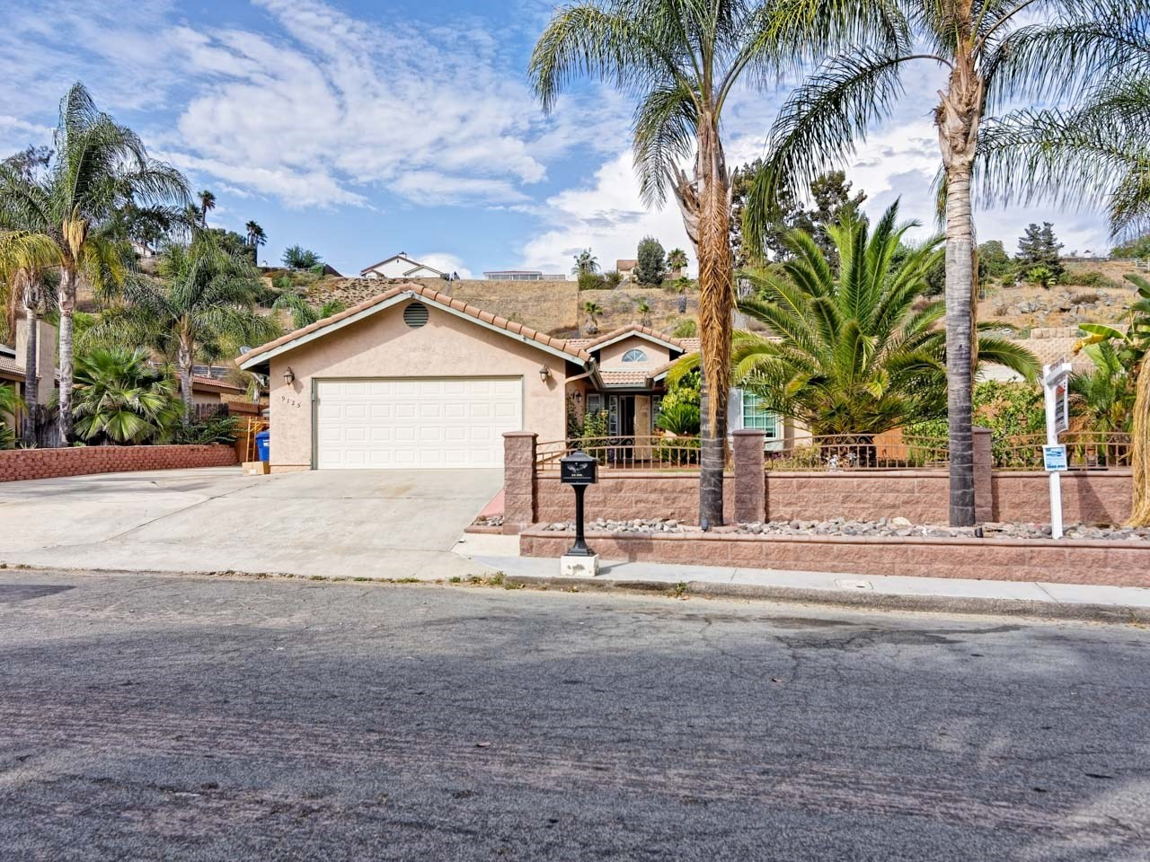 9125 Canyon Park Terrace, Santee, CA 92071