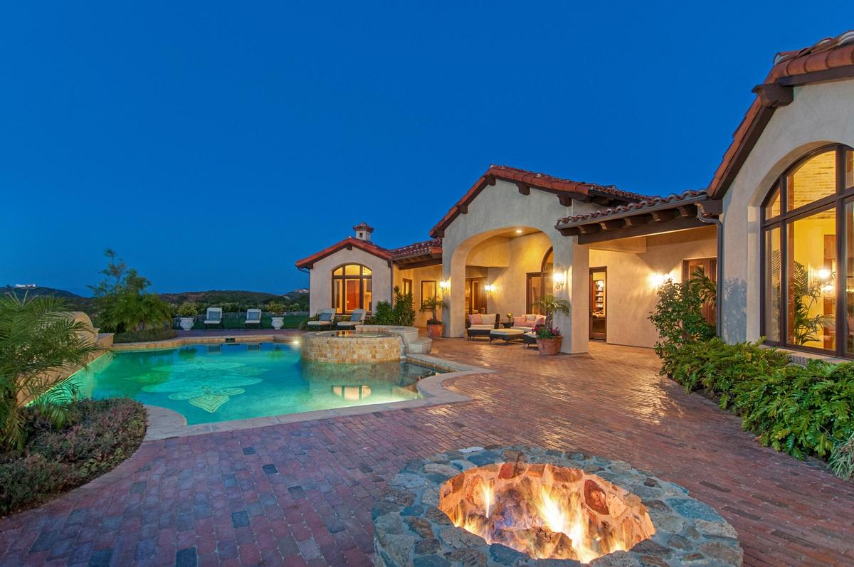 18382 Via Ambiente, Rancho Santa Fe, CA 92067