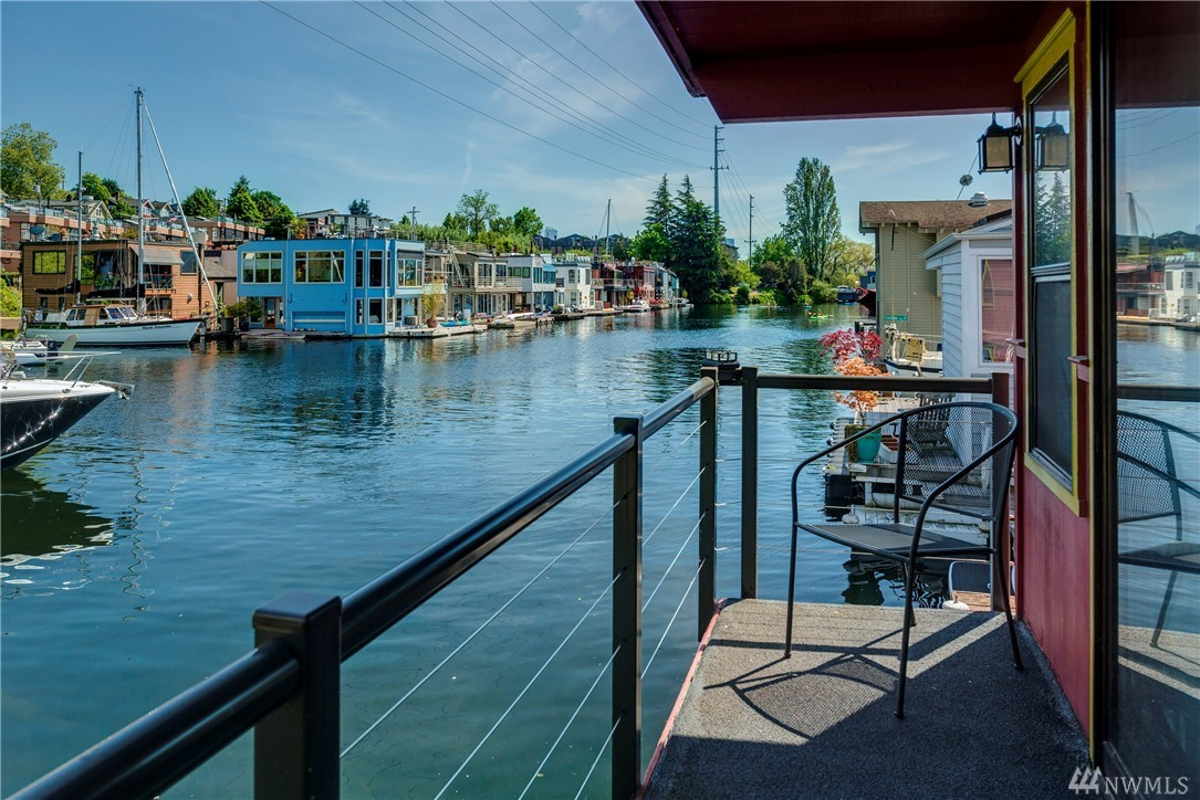 Welcome aboard this beautifully remodeled 2-story house barge in the Eastlake neighborhood. Nestled among the floating homes at Hamlin Pier, this beauty features a fabulous updated kitchen with quartz counters & stainless appliances, spacious view-filled living/entertainment area, 2 large bedrooms, full bath and 2 decks--including an awesome rooftop deck! Relax & watch the world float by from your in-city retreat! Close to restaurants, shopping, bus. EZ commute to Downtown, SLU & U of W.