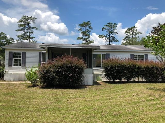 Well maintained 3 bedroom 2 bathroom mobile home on large lot down quiet country road. Spacious backyard features an in ground pool. Seller will not complete any repairs to the subject property, either lender or buyer requested. The property is sold in AS IS condition.