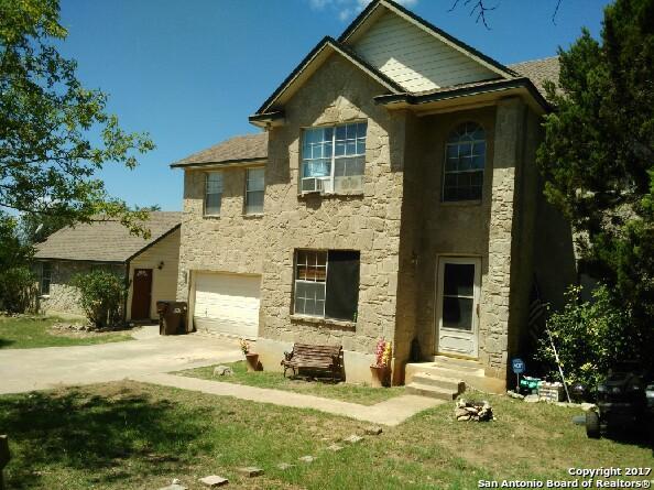 1420 LAKEPARK DR, Lakehills, TX 78063