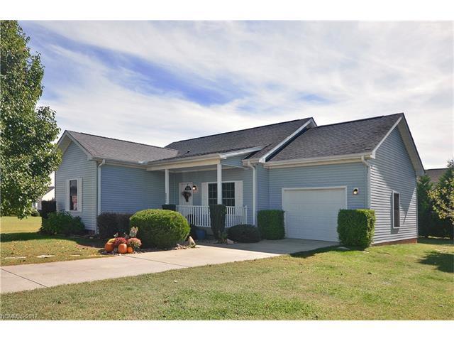 230 Beechnut Drive, Hendersonville, NC 28739