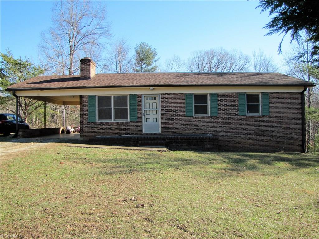 VA-4277  Brick ranch  great starter home or home for someone downsizing.  3 bedrooms, 1.5 baths. Full unfinished basement. Washer/dryer in basement. Two wood burning fireplaces-one in living room never used. One in basement would be great for wood stove hookup. Roof and Trane heat pump about 6 years old. Plumbing replaced from copper to plastic.