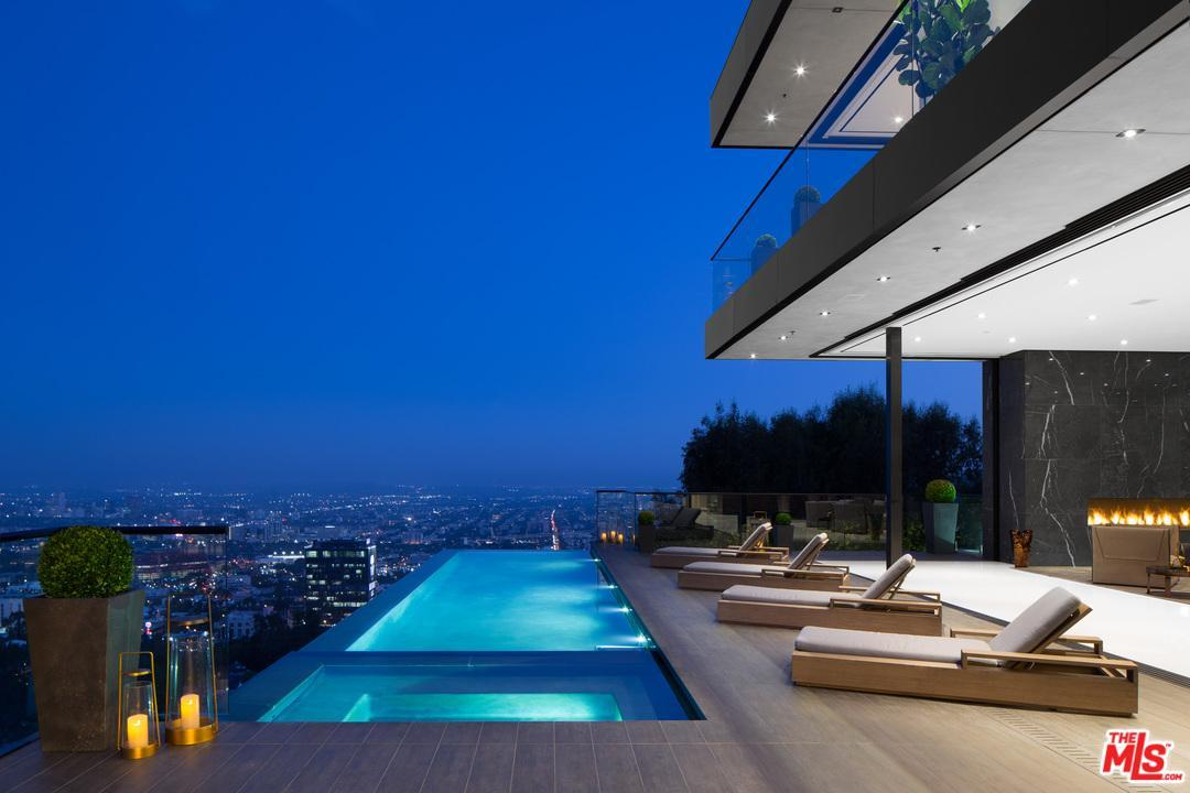 9199 THRASHER Avenue, Los Angeles (City), CA 90069