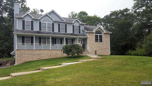 17 Heritage Drive, West Milford, NJ 07480