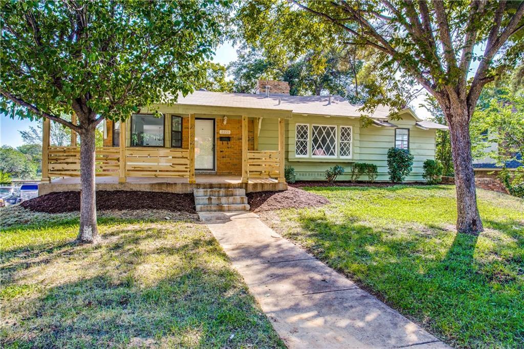 2221 Green Hill Circle, Fort Worth, TX 76112