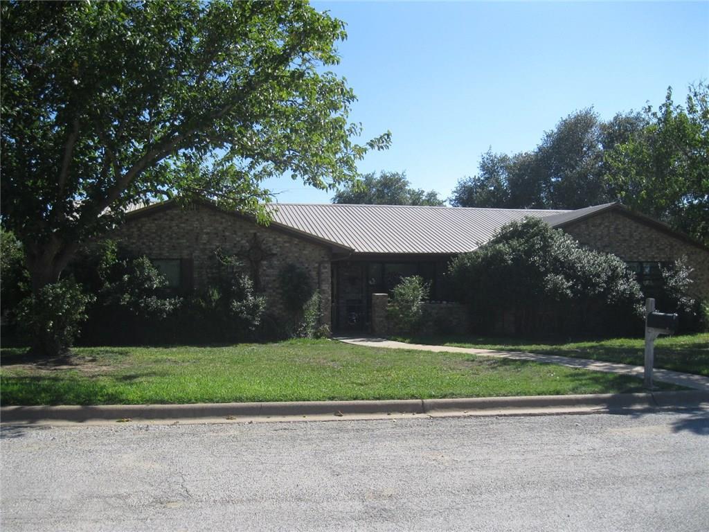 101 W Yucca Drive, Breckenridge, TX 76424