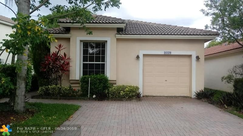 CHARMING WATERFRONT 3 BEDROOM IN QUIET GATED COMMUNITY. LARGE SCREENED IN PATIO. COMMUNITY HAS POOL AND OTHER RECREATIONAL FACILITIES. BEST SCHOOLS IN WESTON INCLUDING CYPRESS BAY HIGH SCHOOL.