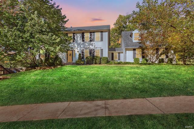 456 Hunters Hill Drive, Chesterfield, MO 63017