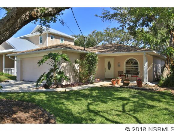825 19th Ave, New Smyrna Beach, FL 32169