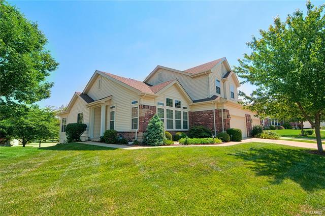 14787 Thornbird Manor Parkway, Chesterfield, MO 63017
