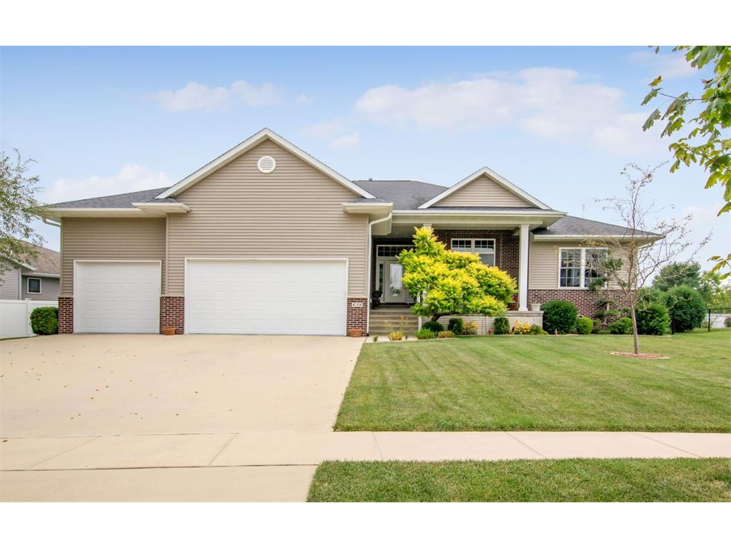 436 Wildflower Drive, Fairfax, IA 52228