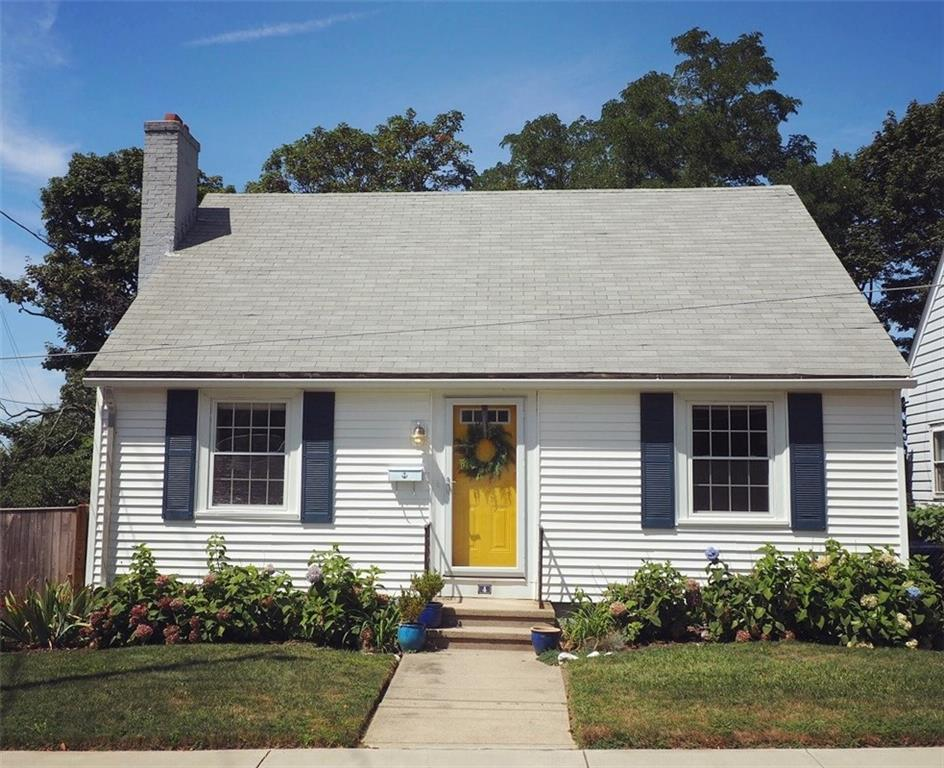 4 GREATON DR, East Side of Prov, RI 02906