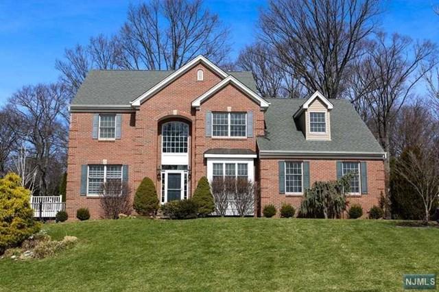 15 Hearthstone Drive, North Haledon, NJ 07508