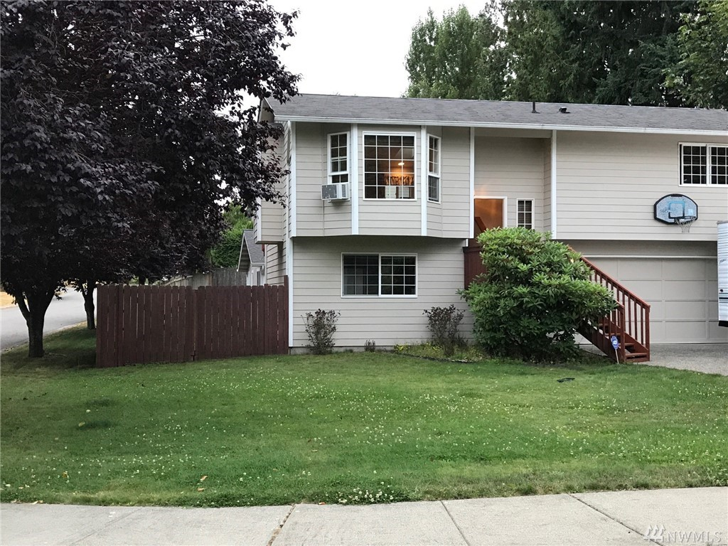 15810 56 Ave W, Edmonds, WA 98026