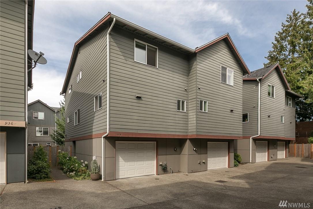 938 N 96th St, Seattle, WA 98103