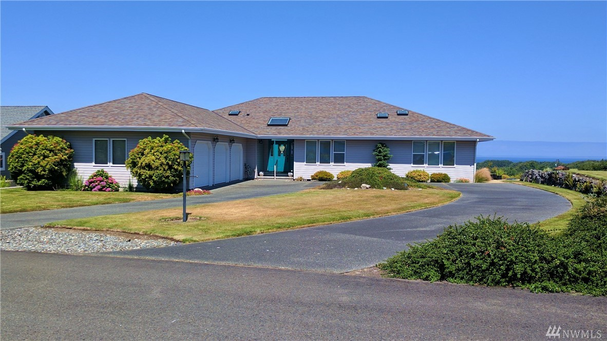 83 Lighthouse View Dr, Sequim, WA 98382