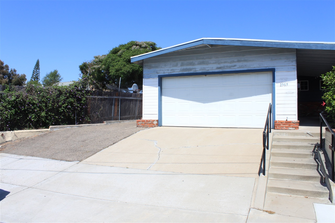 2565 Skyline Dr, Lemon Grove, CA 91945