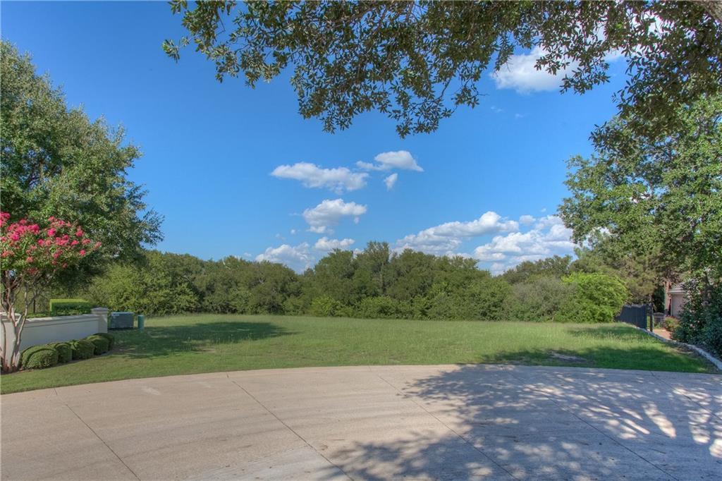 6600 Oak Hill Court, Fort Worth, TX 76132