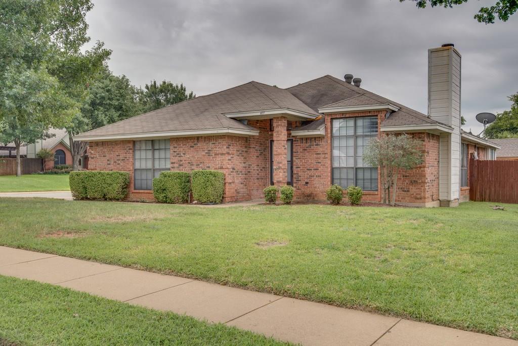 401 Caviness Drive, Grapevine, TX 76051