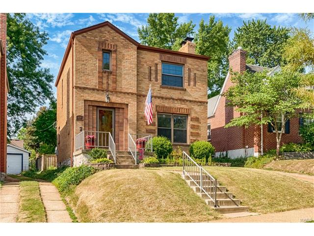 6634 Lindenwood Place, St Louis, MO 63109