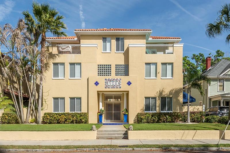 Rare opportunity to live within two blocks of HYDE PARK VILLAGE and BAYSHORE BOULEVARD. 3 Bedroom, 3 1/2 Bath FEE SIMPLE/NO HOA/NO REQUIRED FLOOD INSURANCE/GATED TOWNHOUSE with TWO CAR GARAGE, garage storage and additional driveway and street parking. A tastefully renovated hidden gem within historic Hyde Park, 908 Rome #3 offers a private, tranquil oasis complete with modern luxury upgrades and finishes. Gated courtyard entry with intercom and remote opening gate provide security and convenience. Private ground-level patio and upper-level deck terraces. 10ft+ ceilings throughout and newly refinished real wood floors enhance the open floor plan. Plentiful natural light and custom plantation shutters throughout. Newly renovated GOURMET KITCHEN with stainless appliances, stunning custom backsplash, granite countertops and large waterfall island with stainless under-mount sink. Exceptional master suite with tray ceilings and custom closet built-ins. Freshly renovated en-suite boasts a dual showerhead steam shower w/ Kholer Bluetooth speaker showerheads, garden tub and his-and-hers oversized sinks. The two additional bedrooms, one downstairs leading into the private garden, have newly renovated en-suite bathrooms. Further custom upgrades include new Berber bedroom carpeting, custom crown molding and railings.New TPO reflective roof 2017. HVAC replaced 2015.Nest thermostat, new modern light fixtures/LED lighting,wired for monitored security system & home sound.Award-winning Gorrie/Wilson/Plant school district.