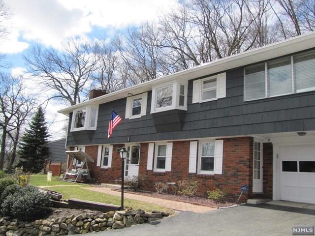 392 High Crest Drive, West Milford, NJ 07480
