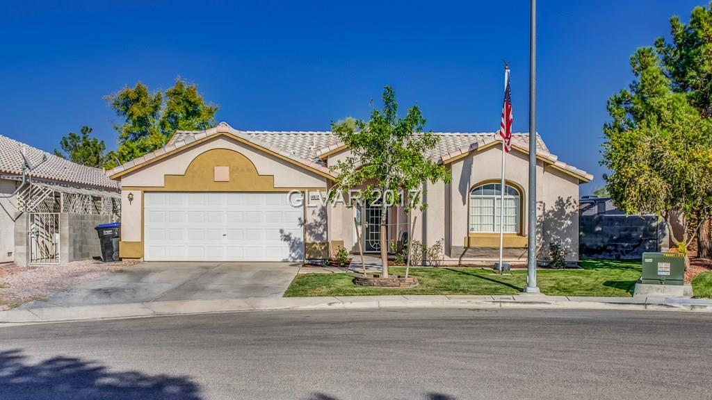 CGARMING 1 SOTRY HOME WITH NO HOA ~ STAINED CONRETE FLOORS THROUGHOUT ~ PLENTY OF CUPBOARD SPACE IN THE KITCHEN ~ STAINLESS STEEL APPLIANCES ~ NICE COVERED PATIO W/ BUILTIN BBQ ~