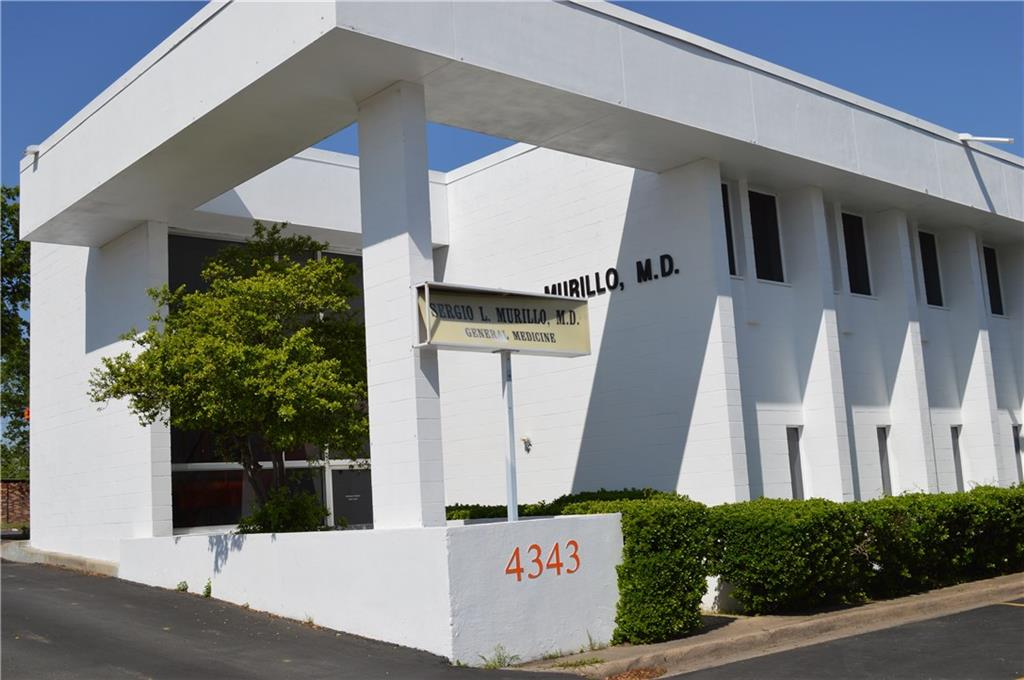 An opportunity to lease over 8,000 feet one lot off the corner of Wycliff and Maple.  The property has been use as a doctor's office for the last 30 plus years.  With over 17,000 cars passing by each day, it is a great spot with great exposure.  Each floor has 4,000 feet.  The zoning allows most any office, restaurant, or retail.  There is an extra parking lot across the alley in the back so parking will not be an issue.