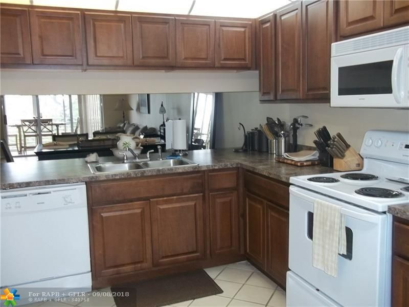 Very nice 2BR king size apt. with great golf view (master BR facing golf course).  Fully furnished & equipped.