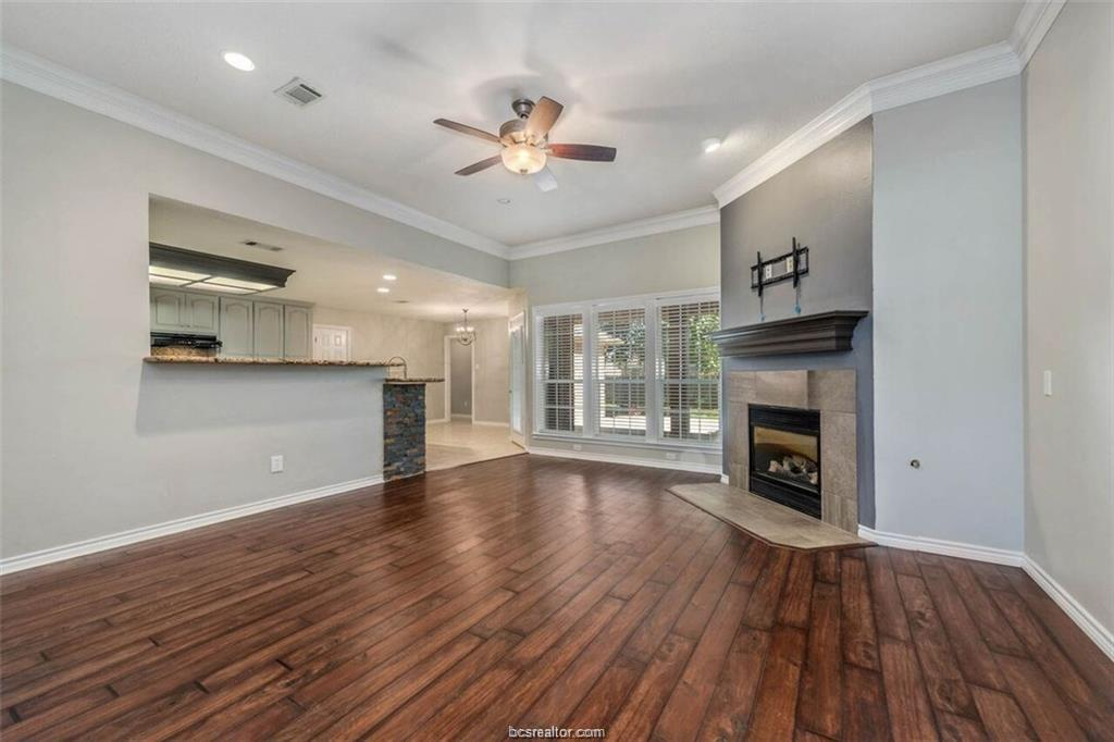 808 Pine Valley Drive, College Station, TX 77845