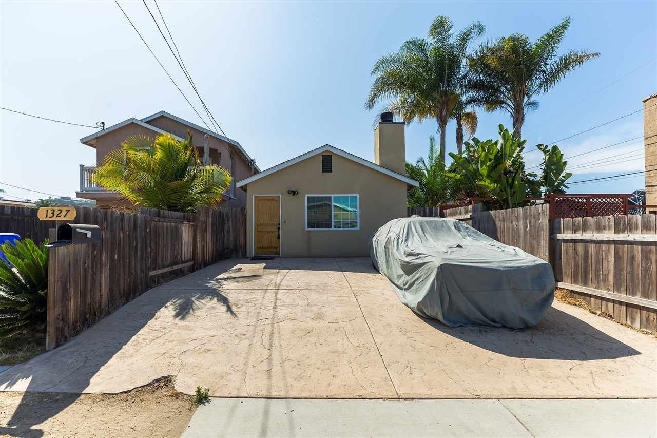 1327 Lehigh St, San Diego, CA 92110