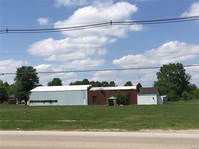 1451 E Union Avenue, Litchfield, IL 62056