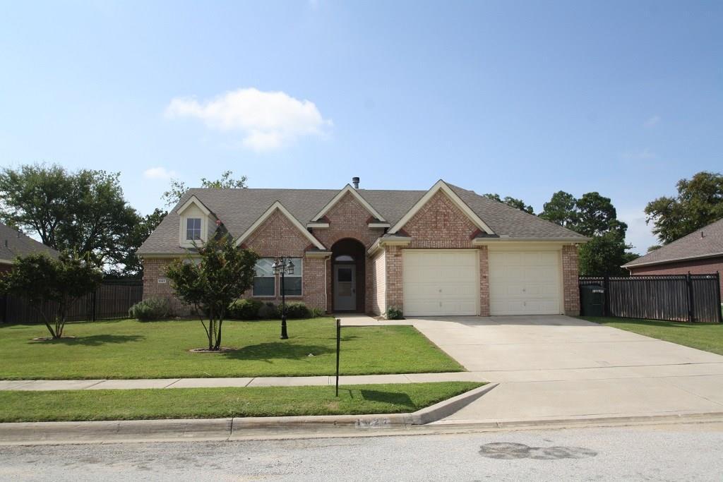 1027 Janet Street, Aubrey, TX 76227