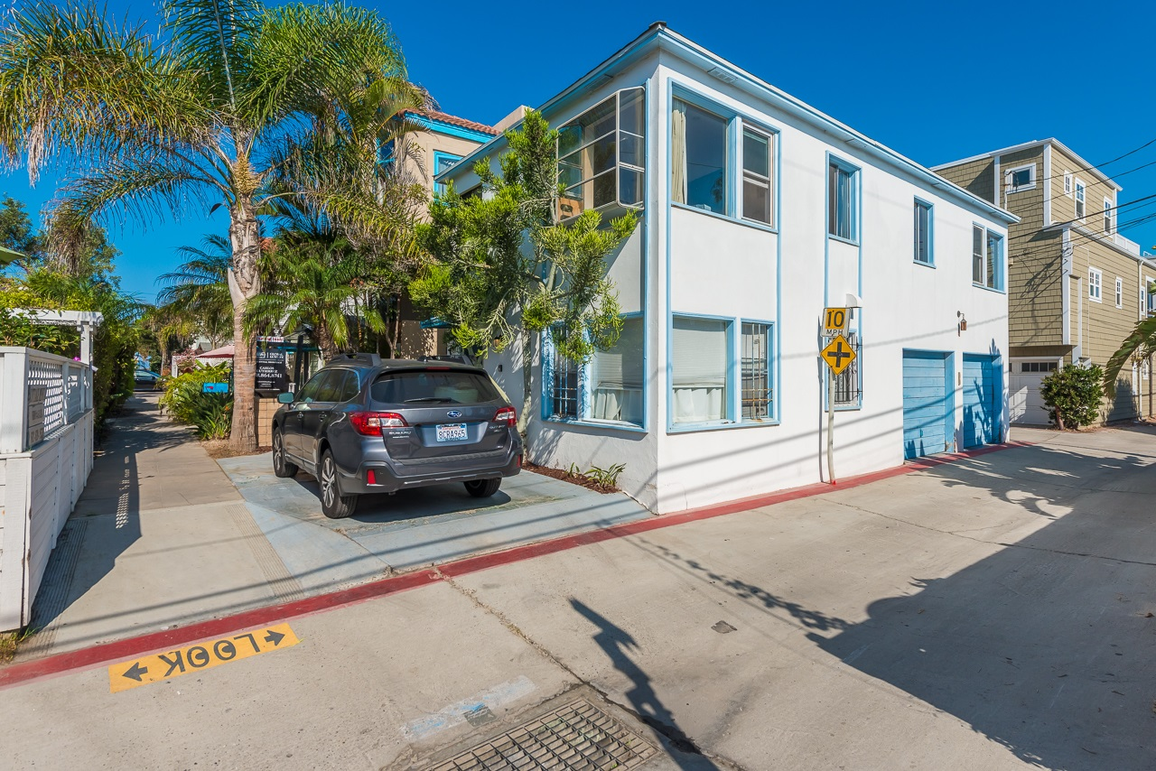818-22 Vanitie Ct, San Diego, CA 92109