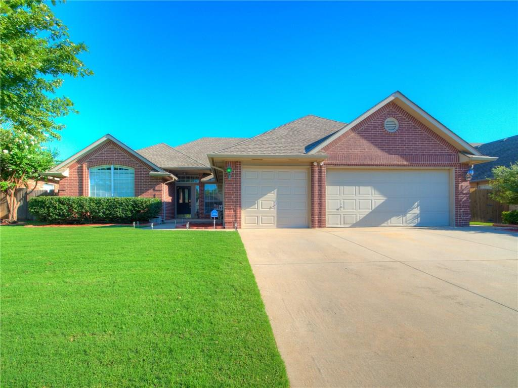 This house is located at 317 Paxton Court Hawthorne Place Norman OK