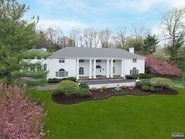 682 Butternut Drive, Franklin Lakes, NJ 07417