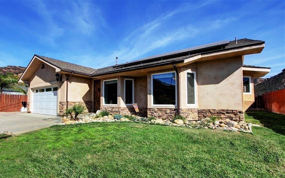 865 Saint George Drive, El Cajon, CA 92019