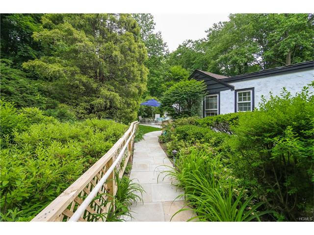 177 Hillair Circle, White Plains, NY 10605