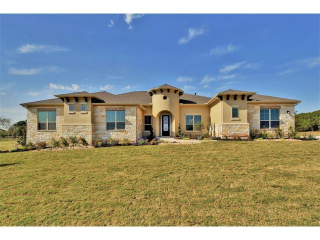 Lindale plan, 4 bed 3.5.bath with a gameroom and study, beautiful open kitchen with center island and double ovens. Extended covered patio enhances outdoor living on a charming 1 acre homesite.