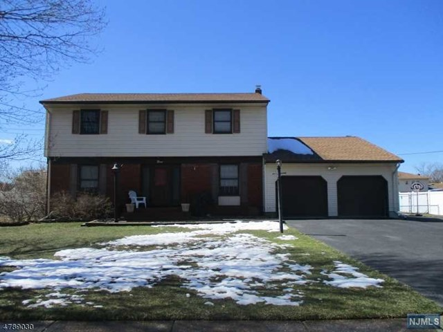 9 Briarwood Drive, Fairfield, NJ 07004