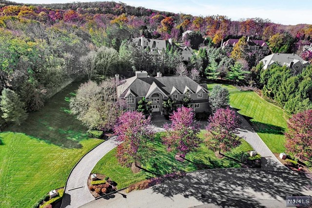 310 Water View Drive, Franklin Lakes, NJ 07417