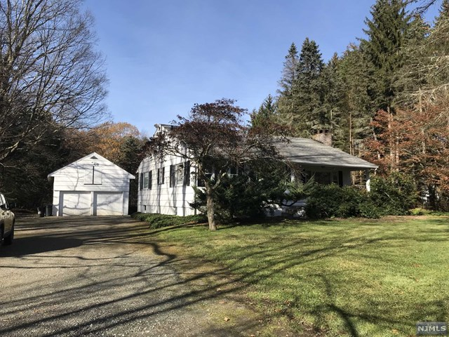 835 Union Valley Road, West Milford, NJ 07480