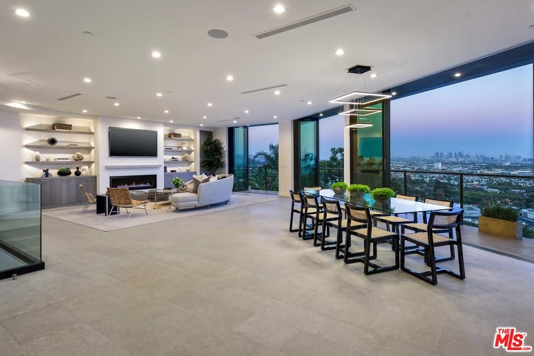 8130 LAUREL VIEW, Hollywood Hills, CA 90069