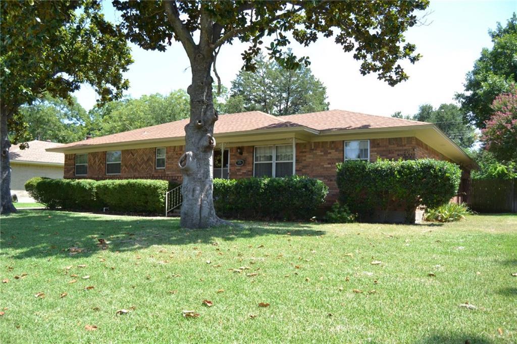 1006 Worcester Lane, Garland, TX 75040